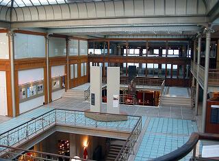 ベルギー漫画センター 3階